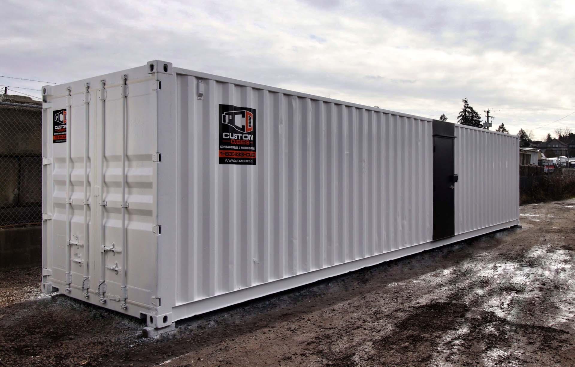 40' Locker Room - Custom Cubes